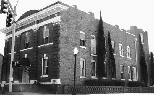 Black and white photo of the Exchange Hotel in downtown Milton